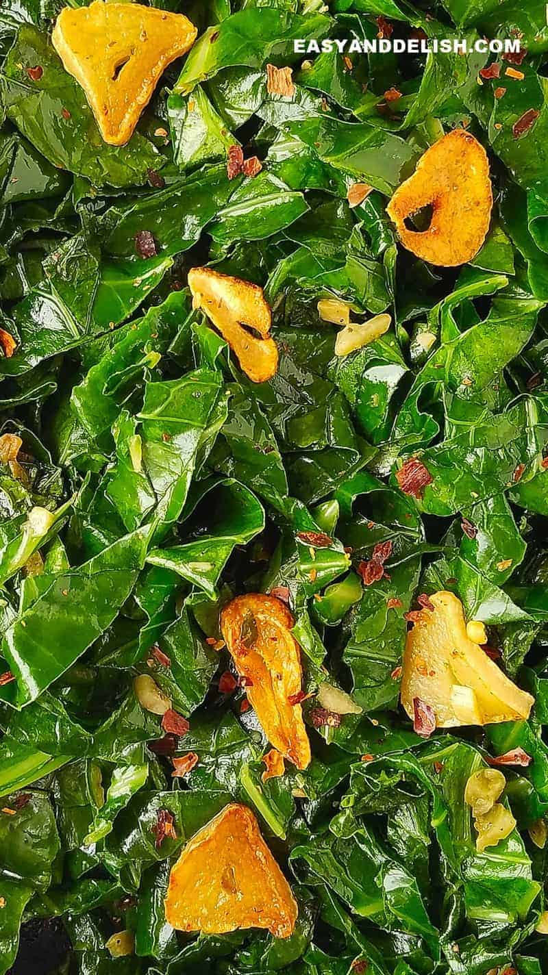 fried collard greens with garlic (couve a mineira)