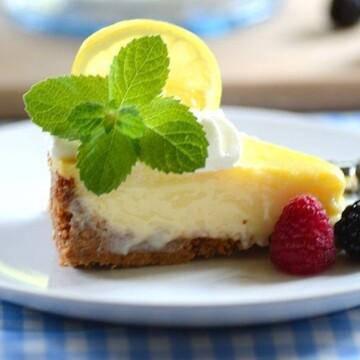 fatia de torta de limão tradicional