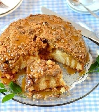 Caramel-apple-streusel-cake