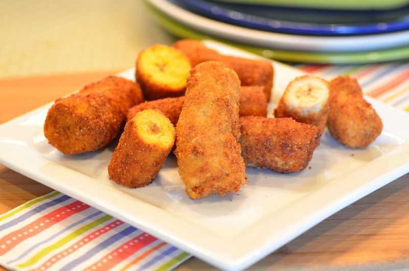 Breaded deep fried bananas banana empanada easy and delish breaded deep fried bananas banana empanada forumfinder Image collections