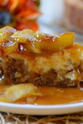Caramel-Apple-Brownie-Cheesecake