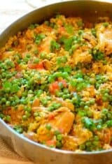Brazilian Saffron Rice w/ Chicken and Vegetables (Galinhada Mineira)