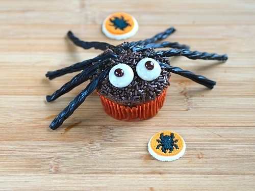 Cupcake decorated as a spider