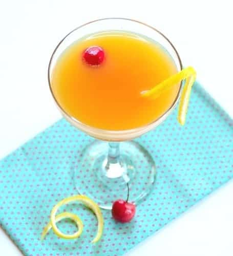 new-year-champagne-cocktail