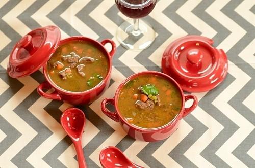 Sopa de Lentilha (Lentil and Beef Soup)