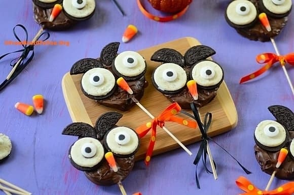 Chocolate-Apple Halloween Owl...So cute!!! A great Halloween project for children!