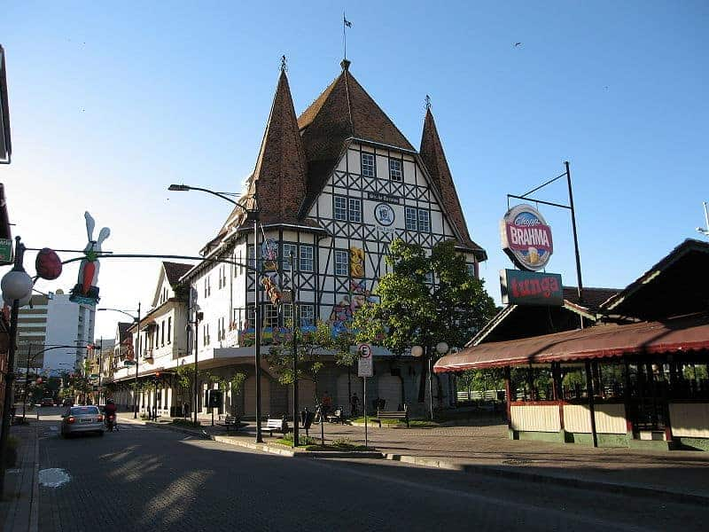 Downtown Blumenau, Santa Catarina, Brazil. Credit to Schmidt. Creative Commons Attribution-ShareAlike version 1.0