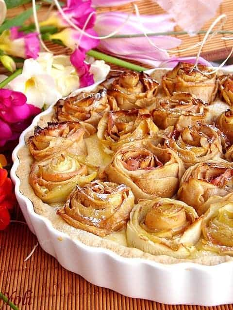Apple Pie of Roses by Yoli