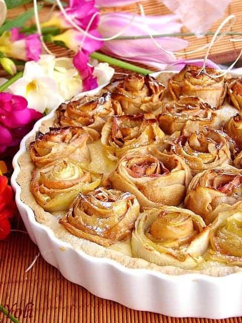 Apple Pie of Roses by Yoli
