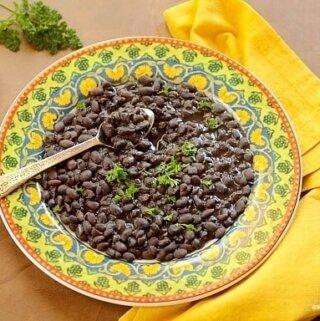 como-cozinhar-feijão-preto-corretamente