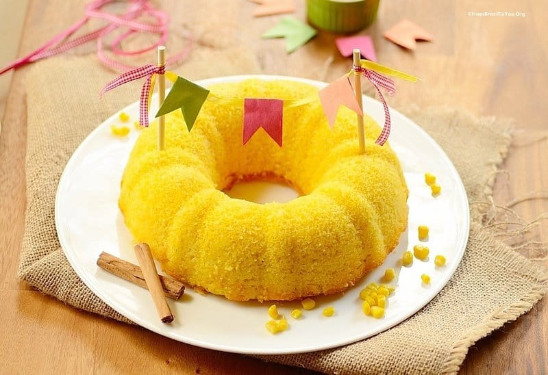 Kitchen Blender Corn Bundt Cake (Bolo de Milho de Liquidificador)