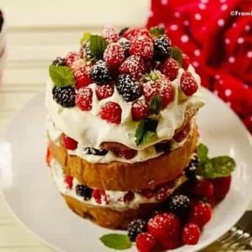 Quick-Panettone-Shortcake