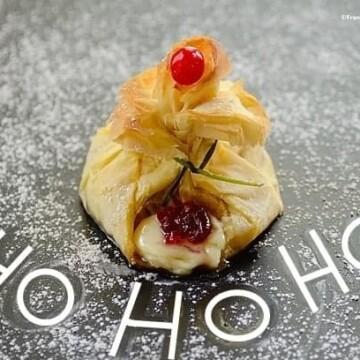 Santa's-breakfast-pouch