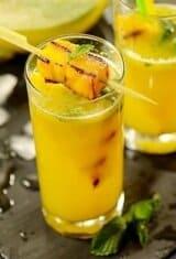 Sparkling-pineapple-mint-juice