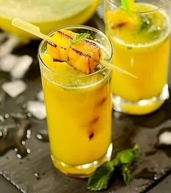 Sparkling-pineapple-mint-juice