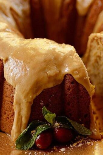 Spiced-sweet-potato-pound-cake-caramel-frosting