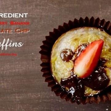 4-Ingredient-Strawberry-Banana-Chocolate-Chip-Muffins