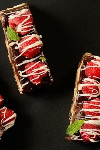 Chocolate-fudge-cookie-bars