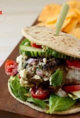 Beef-and-bulgur-wheat-cheeseburger, Kibbeh-cheeseburger, kibe-x-tudo