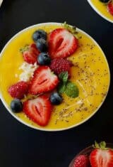 mango-lime-smoothie-bowl