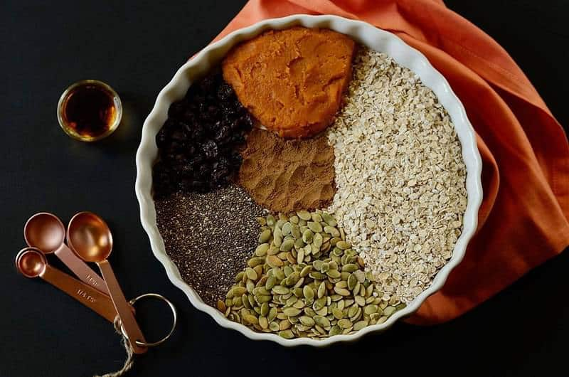 no-bake-pumpkin-spice-latte-breakfast-cookies-ingredients