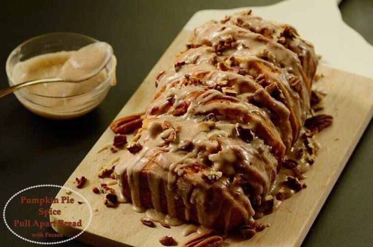 pumpkin-pie-spice-pull-apart-bread-with-pecans