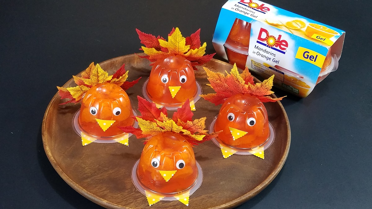 diy-turkey-fruit-cups-by-frombraziltoyou-org