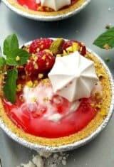 Raspberry-pistachio-froyo-pies, Frozen-yogurt-pies