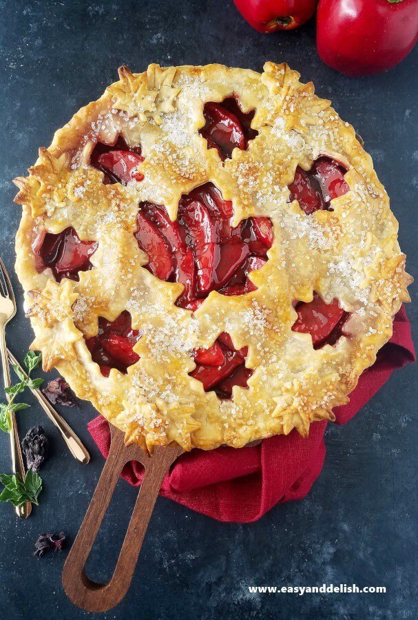 Baked ruby apple pie
