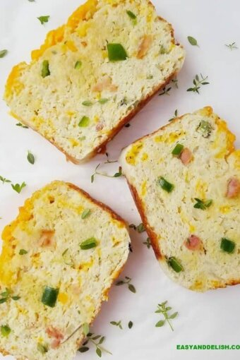 slices of cauliflower bread
