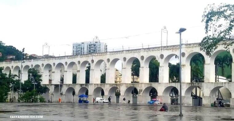 Lapa Arches -- one of the 20 things to do in Rio de Janeiro on a budget