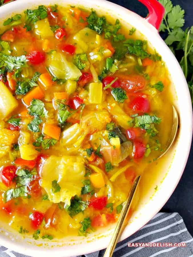 a bowl of cabbage soup diet as one of our healthy dinner ideas