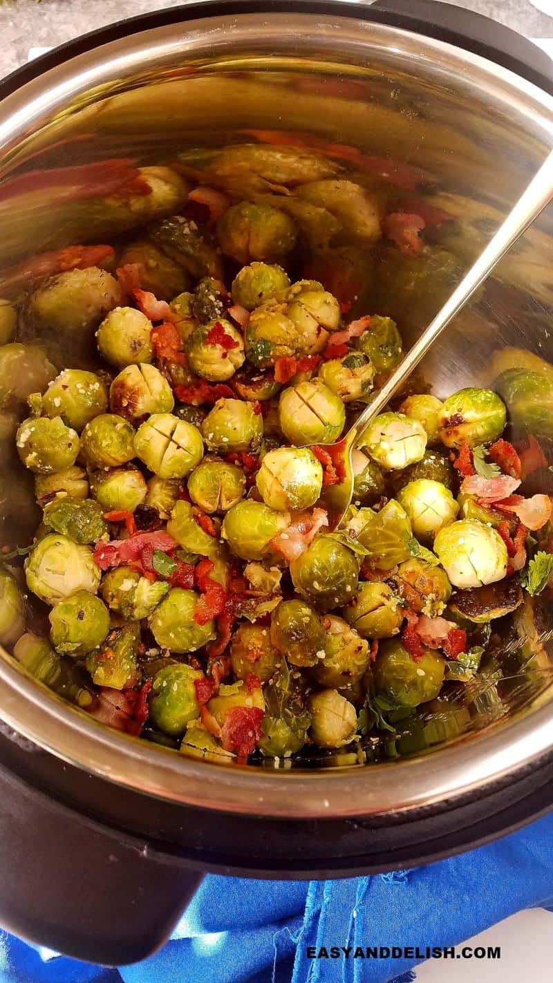 Brussels Sprouts with bacon in the Instant Pot