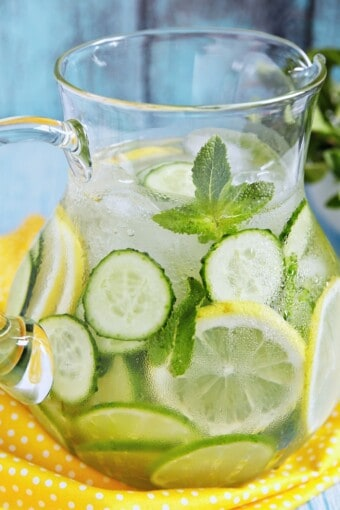 a picther of cucumber water for detox and weight loss