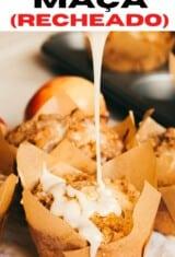 bolinho de maçã regado com glacê